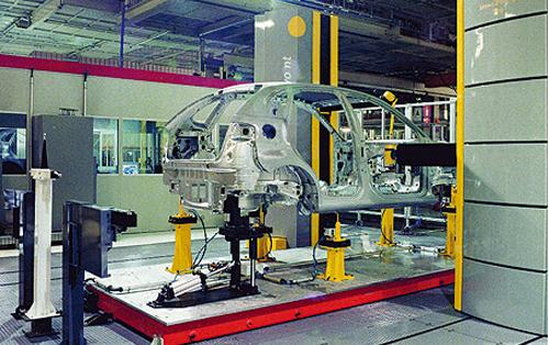 电子凸轮控制系统,使模锻压机运行与机器人运行协调
